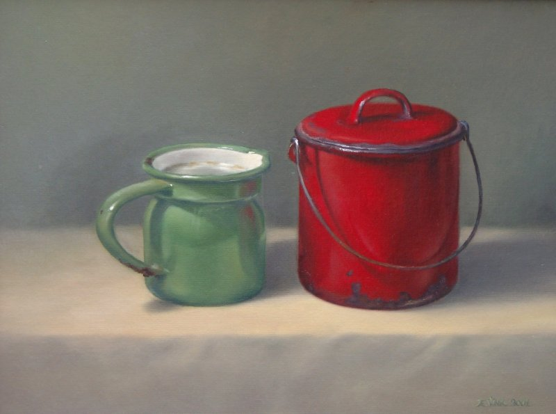 Green and red pot